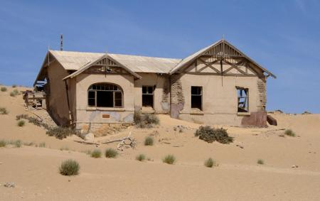 kolmanskop-teachers-house.jpg